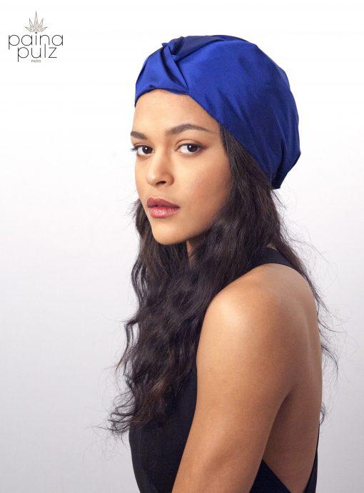 éléctrique futuriste et rétro, le turban Electrical Blue, ne vous laissera pas de marbre.