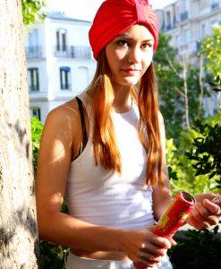 Couleur! c'est de mise pour les Païnita avec le turban Trendy Rouge !